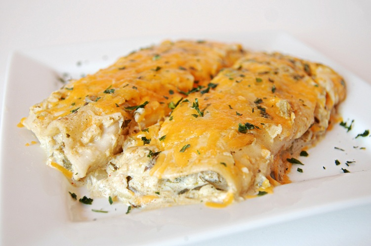 Salsa Verde Sour Cream Enchiladas – The Novice Chef