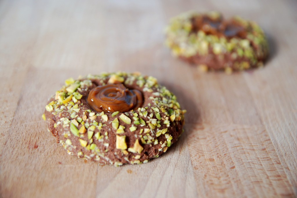 dipped pistachio chocolate shortbread secretly spicy pistachio ...