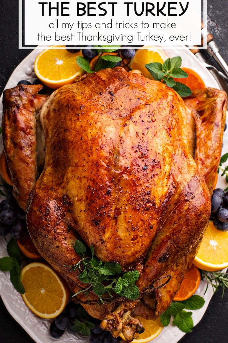 Sharing tips and tricks on how to cook a turkey that is extra juicy and perfectly golden! This easy roast turkey recipe guarantees a delicious Thanksgiving! #Turkey #Thanksgiving #ThanksgivingRecipes #ThanksgivingTurkey #RoastTurkey #HowToCookATurkey #TurkeyRecipe