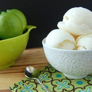 Homemade Key Lime Pie Frozen Yogurt | Healthy Frozen Yogurt