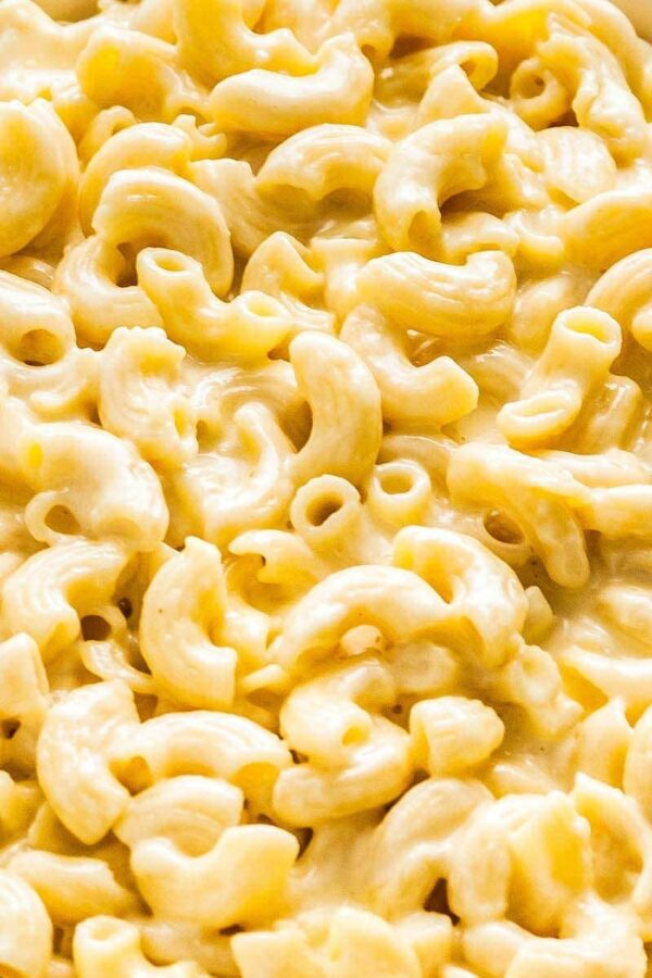 Close up image of homemade mac and cheese recipe.