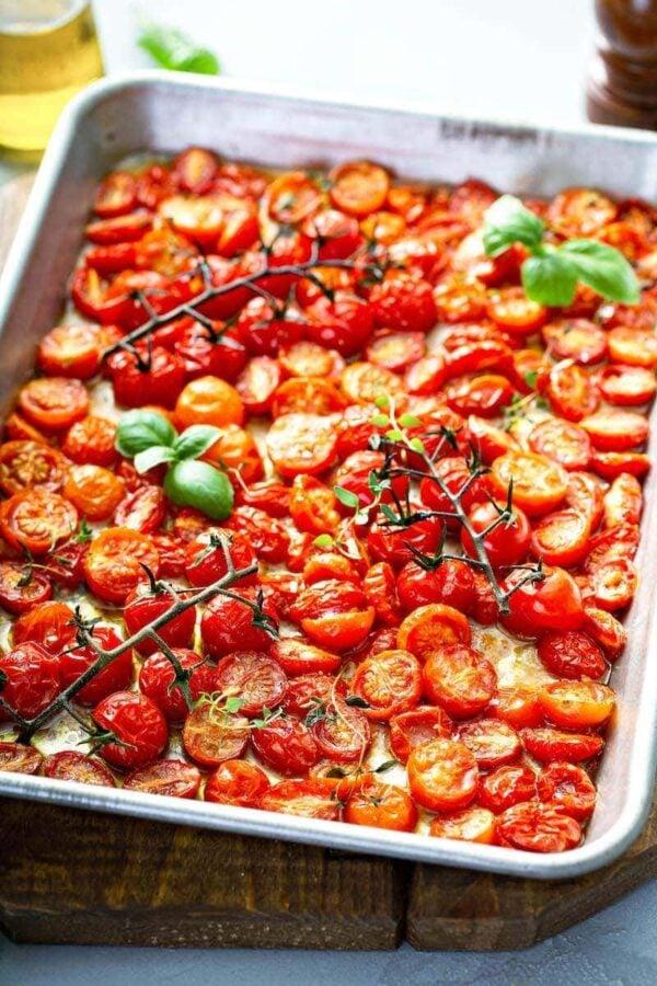 Garlic Roasted Cherry Tomatoes | The Novice Chef