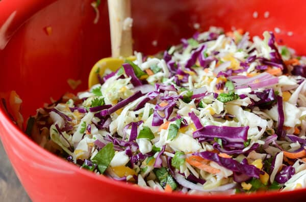 Spicy Mango Slaw (via thenovicechefblog.com)