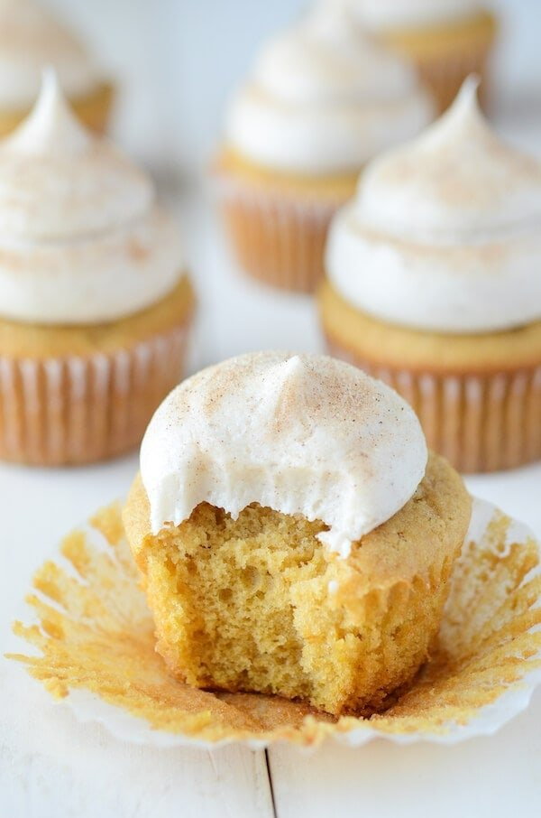 Pumpkin Dream Cupcakes (recipe via thenovicechefblog.com)