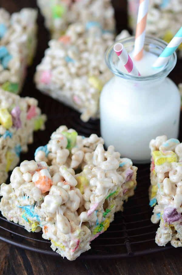 Lucky Charm Marshmallow Treats from www.thenovicechefblog.com