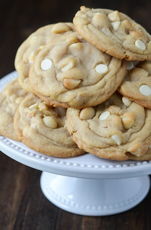 White Chocolate Macadamia Nut Cookies: Part of the Top 12 Cookies to make for a Cookie Exchange! Recipe on www.thenovicechefblog.com