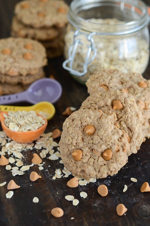 Oatmeal Scotchies (cinnamon oatmeal cookies with butterscotch bites!) recipe via www.thenovicechefblog.com