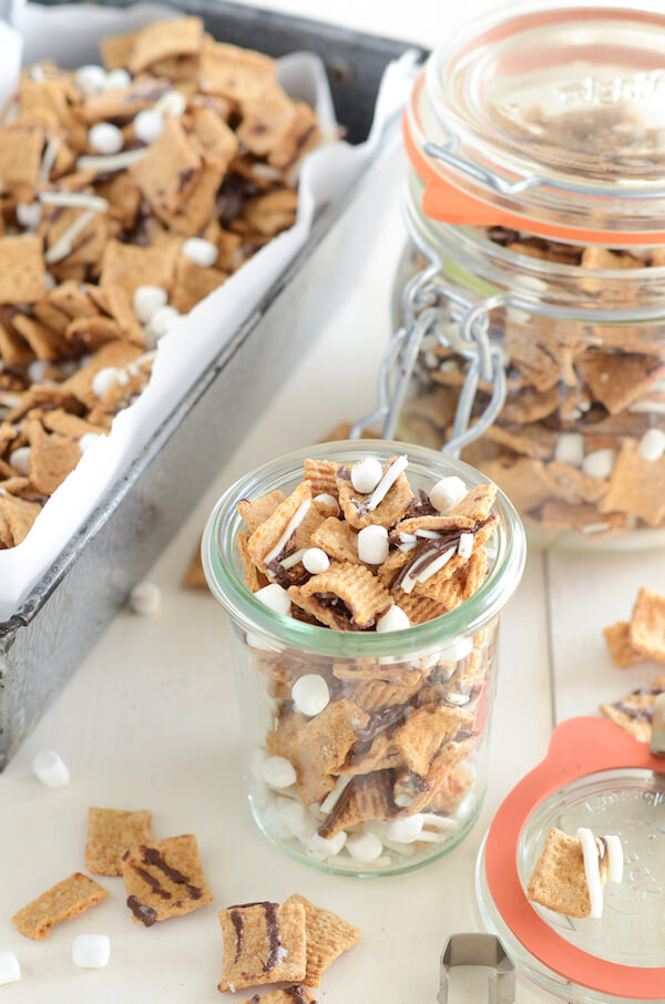 Smore's Snack Mix - it's seriously addicting!