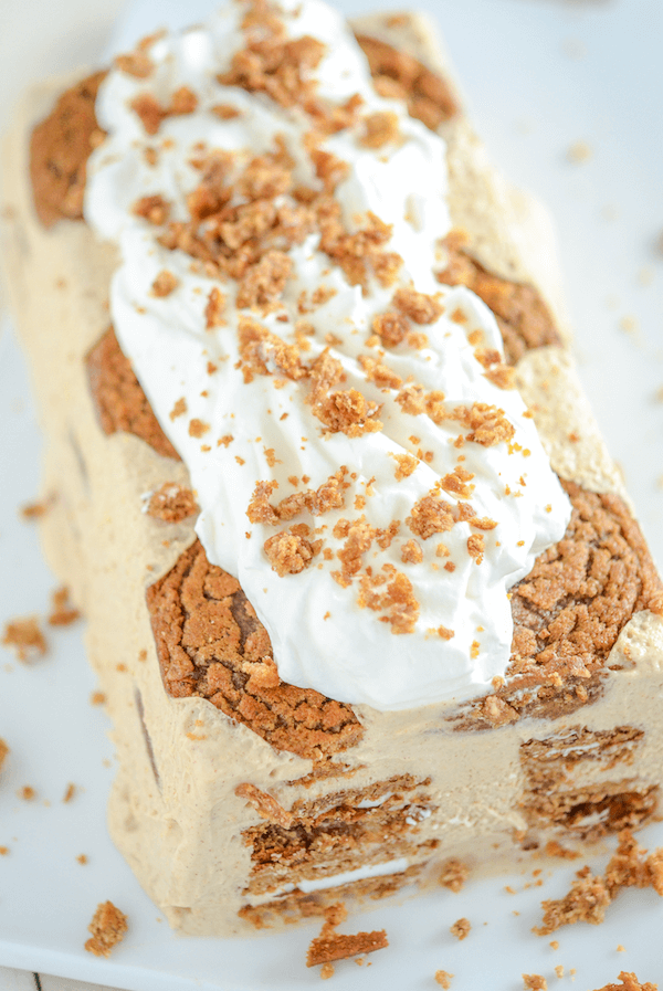 Oatmeal Creme Pie Ice Cream Cake - made with delicious homemade cinnamon ice cream!