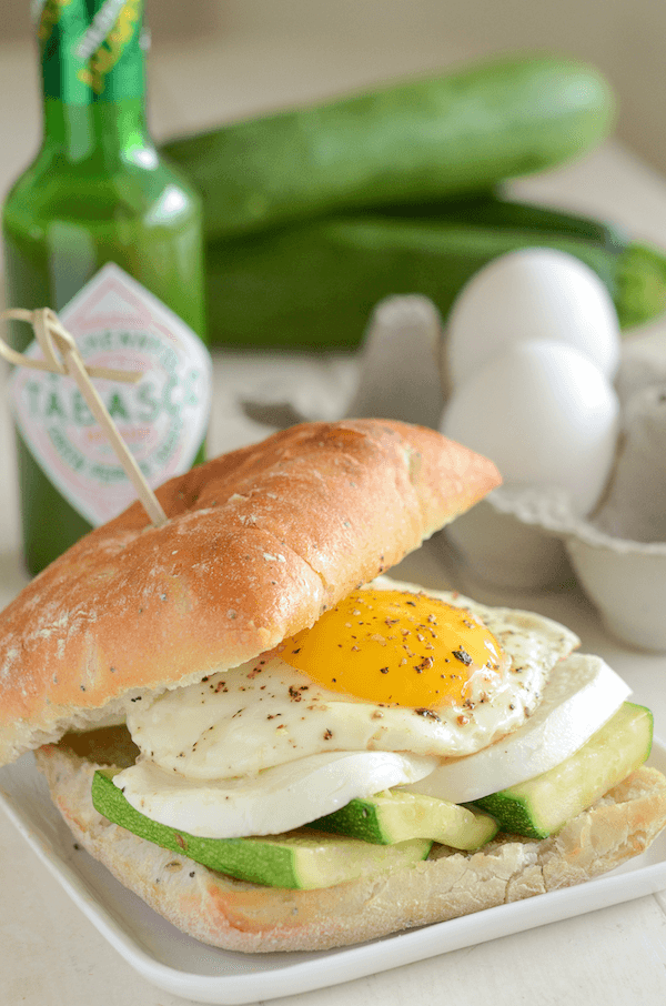 Zucchini, Mozzarella & Fried Egg Spicy Breakfast Sandwich!