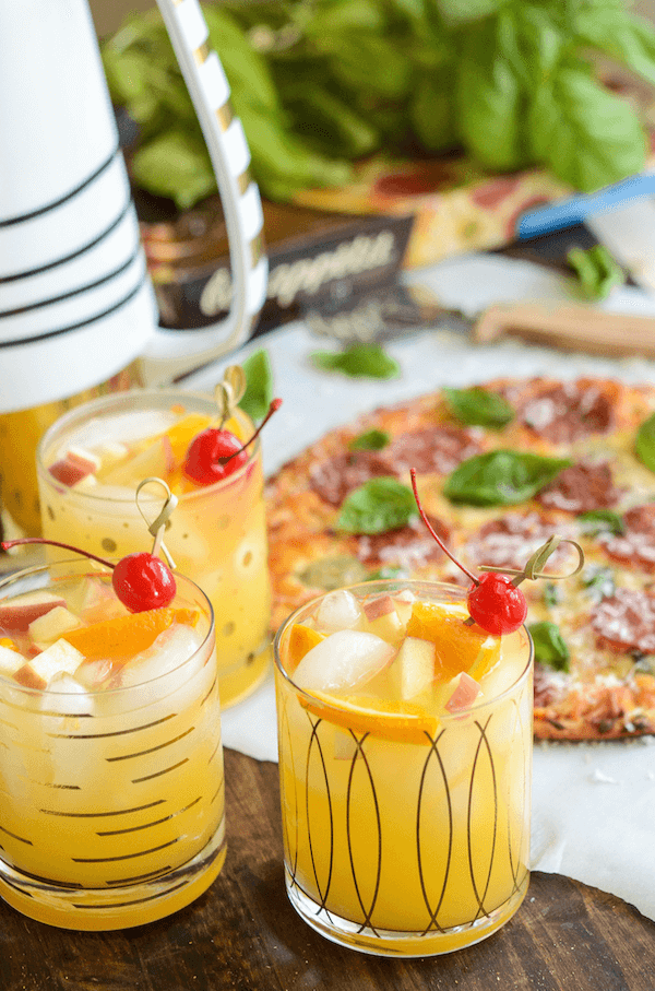 Sparkling Autumn Spiced Sangria: with cinnamon, oranges and apples!
