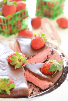 No-Bake Chocolate Covered Strawberry Pie in a pie tin