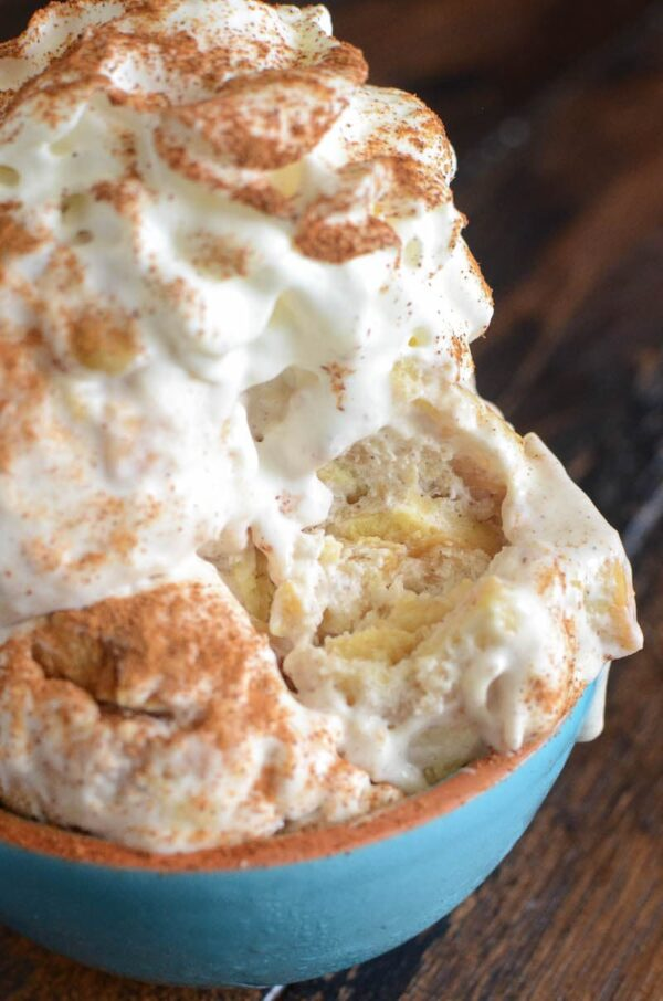 No-Churn Apple Pie Ice Cream: the ultimate apple pie ice cream, with an entire pie swirled in each creamy bite, and you only need 5 ingredients to make it!