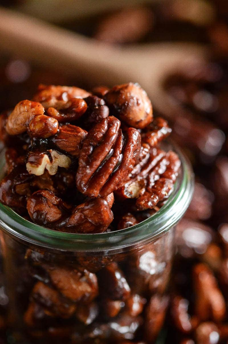 Pumpkin Spice Candied Nuts: you only need ten minutes and six ingredients to make a batch of these sweet toasted pumpkin spice mixed nuts on the stovetop!