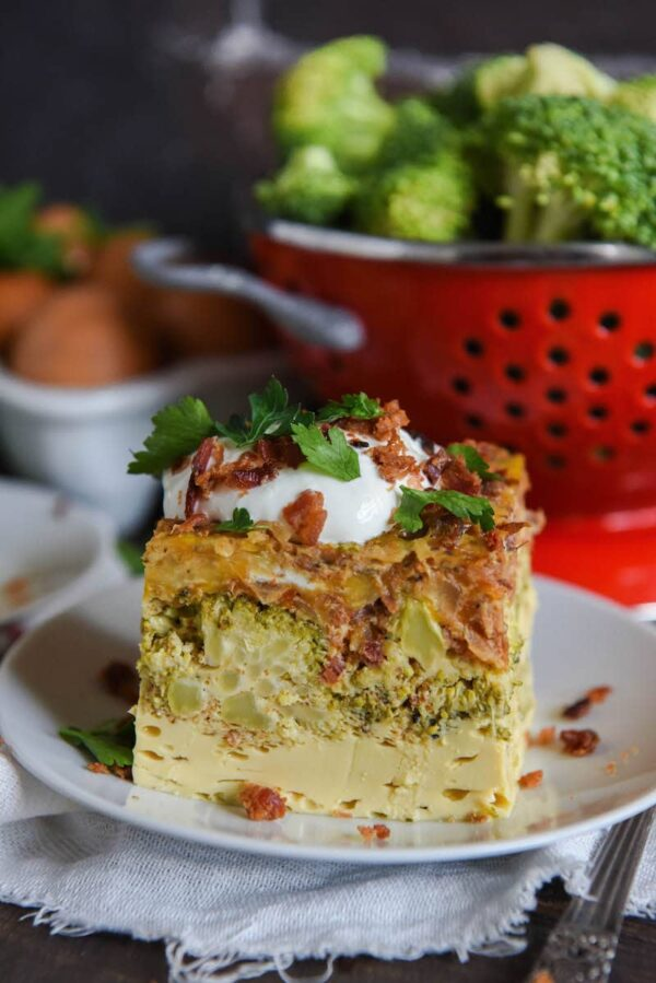 Slow Cooker Low Carb Breakfast Casserole: a low carb, bacon and veggie filled, casserole that is made in a slow cooker for an easy breakfast!
