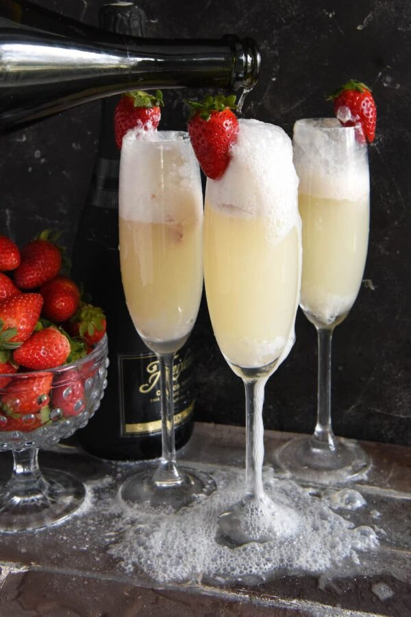 Strawberry Champagne Floats The Novice Chef