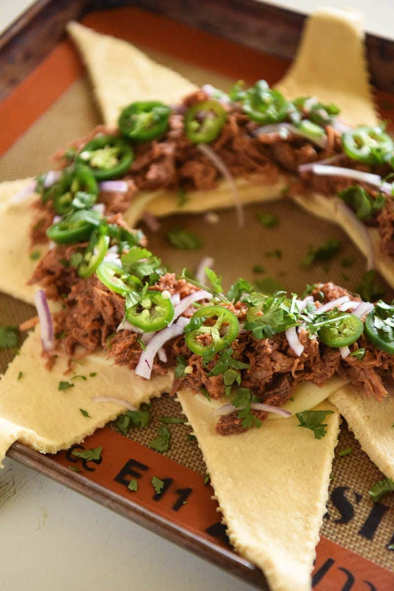 Pulled Pork Crescent Ring - this is my most requested appetizer and it's so EASY to make! #BBQ #Appetizer