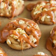 Caramel Popcorn Cookies: sweet buttery cookies filled with popcorn and topped with chewy caramel!