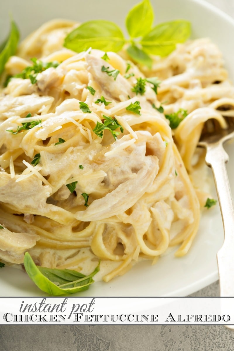 Instant Pot Chicken Fettuccine Alfredo! This recipe is so easy (just dump it in and go!) and deliciously creamy -- I promise it is going to be your new favorite dinner. #InstantPot #OnePot #Pasta