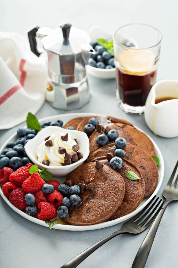 Low Carb Chocolate Chip Pancakes: these gluten free pancakes made with almond flour, cocoa powder & sugar free chocolate are only 5 net carbs & family approved! #LowCarb #Breakfast #Keto #Chocolate #Pancakes