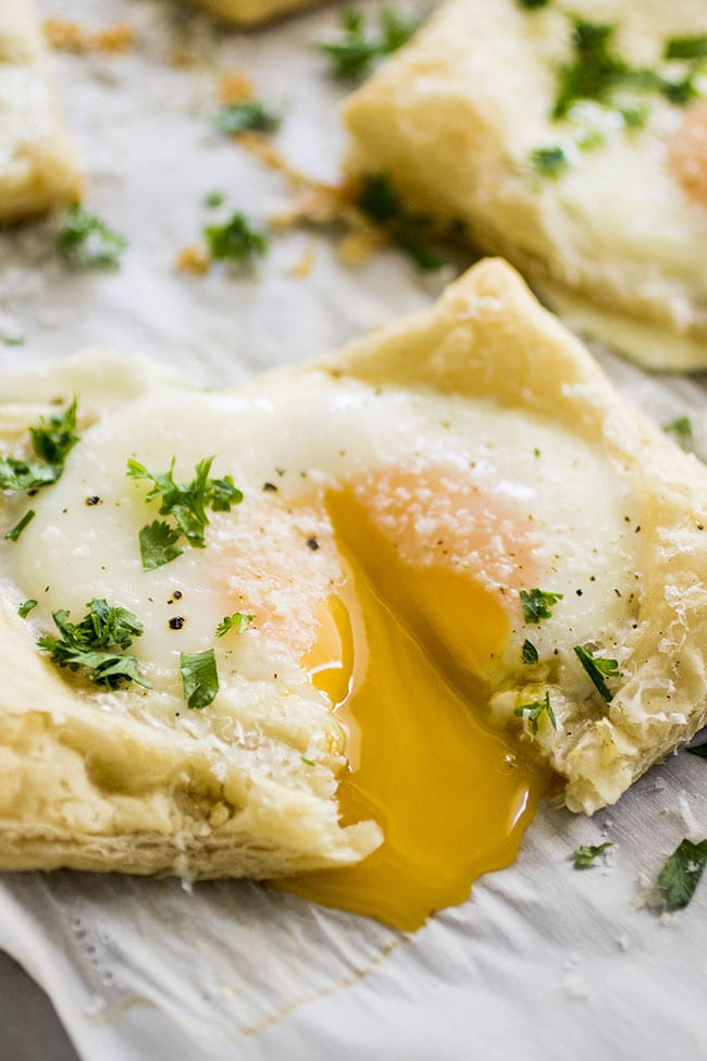 Easy Puff Pastry Baked Egg