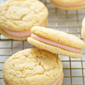 Sandwich Cookies filled with raspberry cream filling.
