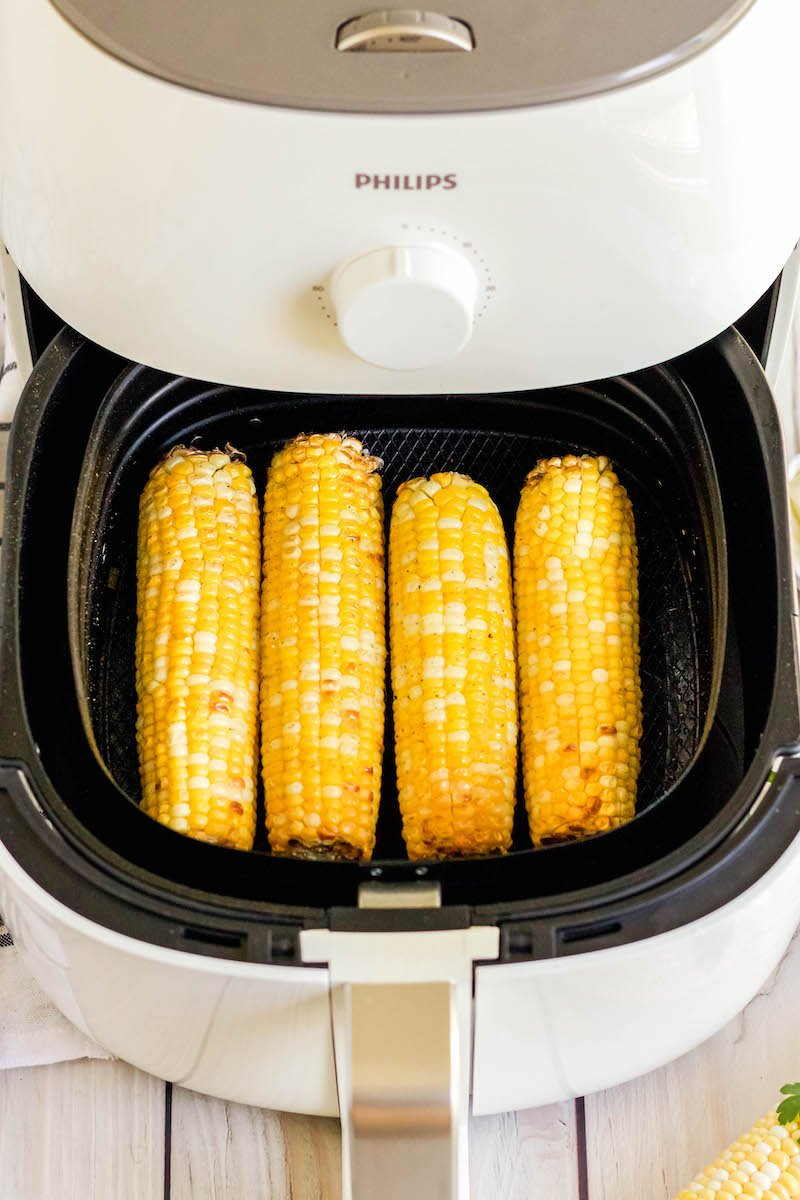 4 corn cobs slightly cooked in the air fryer.