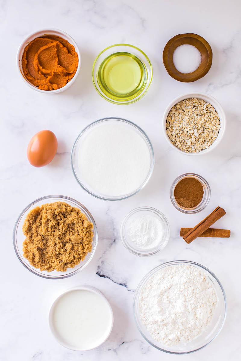 Pumpkin oatmeal muffin ingredients.