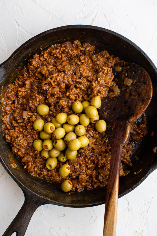 Ground beef with green olives.