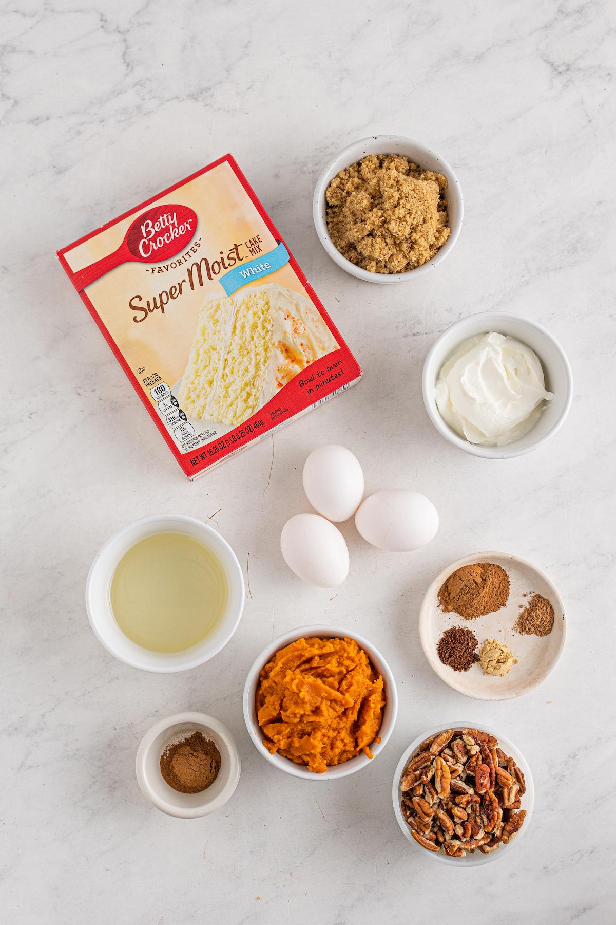 Ingredients for pumpkin honeybun cake.